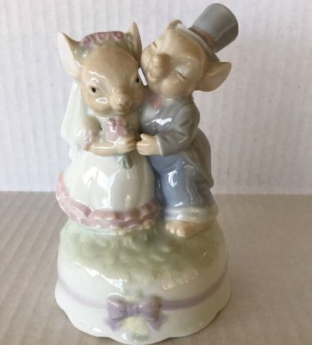 Musical-Mouse-Bride-Groom-WEDDING-CAKE-TOPPER-As-Time-Goes-By-Figure-Mice-0