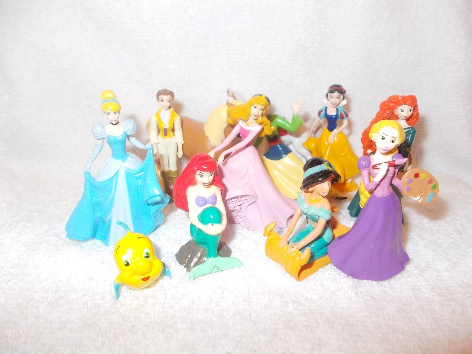 "Disney Princesses Figures//cake Toppers Lot Of 11  2""-3"""